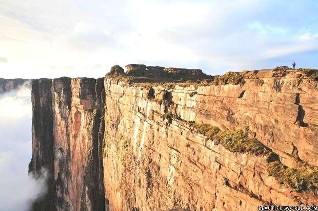 cliffs-of-mount-roraima